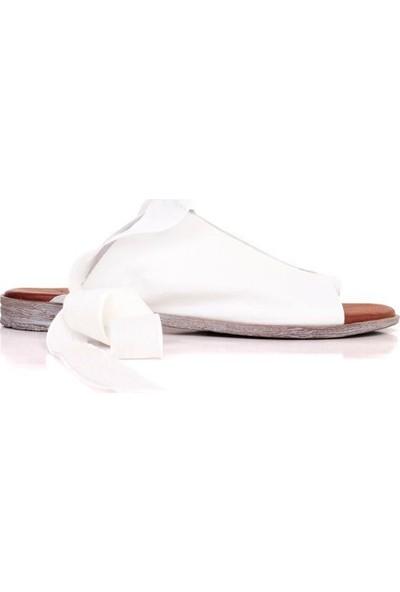Bueno Shoes Kurdele Detaylı Hakiki Deri Kadın Düz Sandalet 9N5008