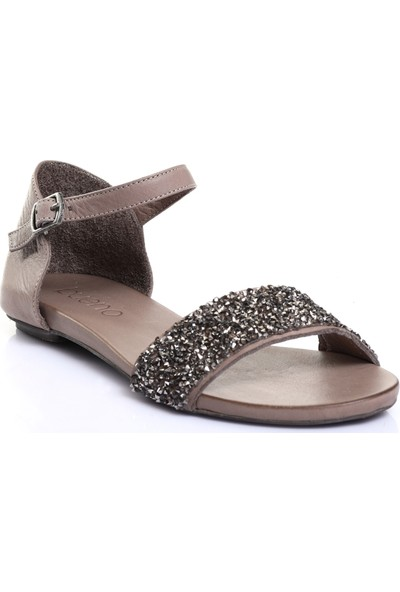 Bueno Shoes Taş ve Kemerli Hakiki Deri Kadın Düz Sandalet 9J1103