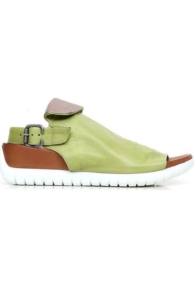 Bueno Shoes Kalın Taban Hakiki Deri Kadın Düz Sandalet 9N7108
