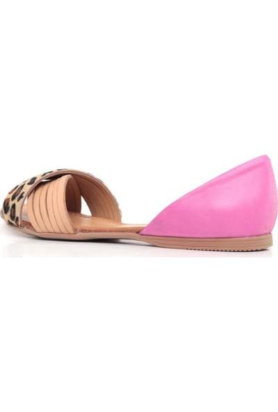 Bueno Shoes Çapraz Detaylı Hakiki Deri Kadın Düz Sandalet 9J2122