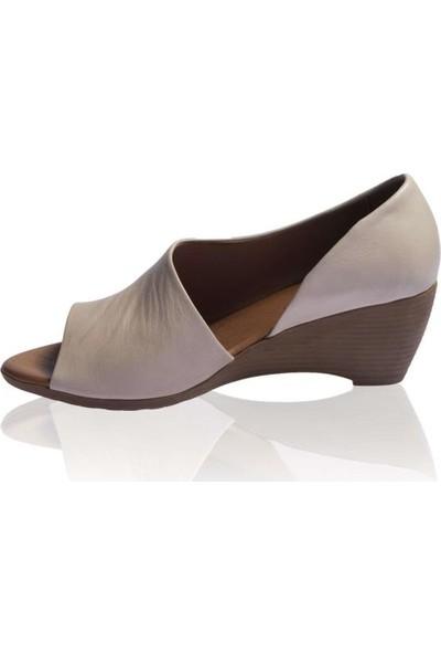 Bueno Shoes Önü Açık Hakiki Deri Kadın Dolgutopuk Sandalet 9J2410