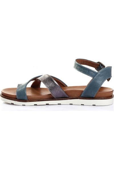 Bueno Shoes Kemer Detaylı Hakiki Deri Kadın Düz Sandalet 9L0504