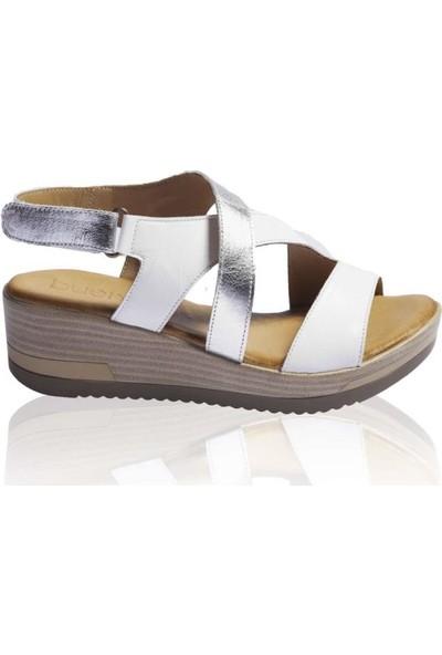 Bueno Shoes Kemerli Hakiki Deri Kadın Dolgu Topuk Sandalet 9L3306