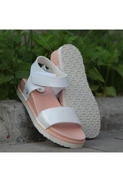 Chocuk Beyaz Çocuk Sandalet
