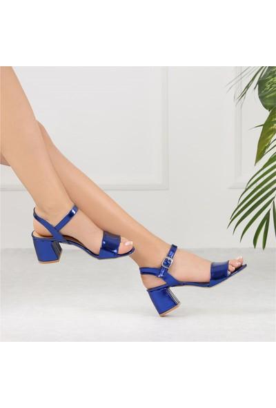 Ayakkabı Delisiyim Arjenin Saks Rengi Kısa Topuk Kadın Sandalet