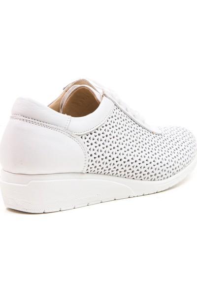 Wave Deri Comfort Delikli Bağcıklı Günlük Ayakkabı EG9203