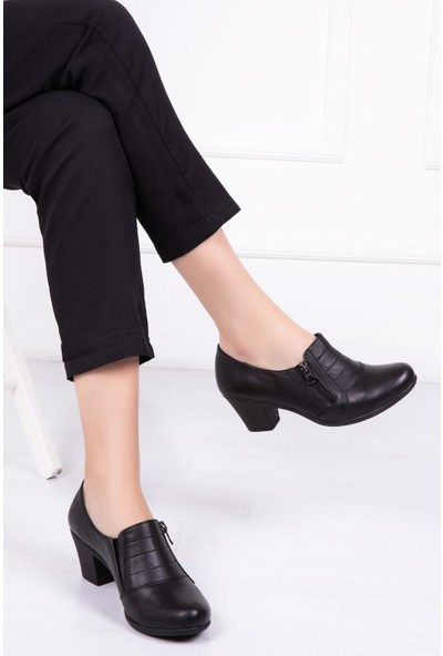 Deripabuc Hakiki Deri Siyah Kadın Topuklu Deri Ayakkabı Crz-1011