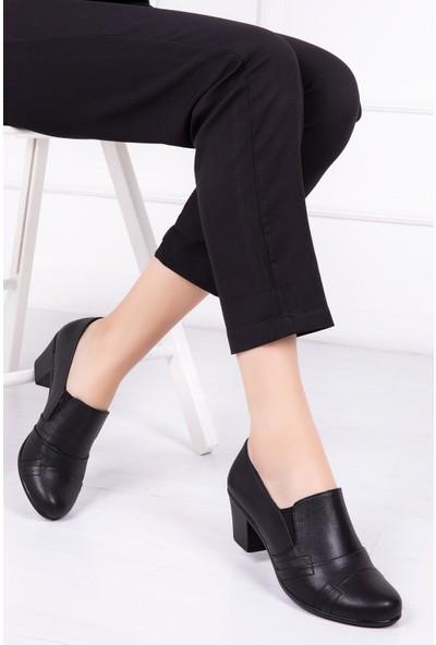 Deripabuc Hakiki Deri Siyah Kadın Topuklu Deri Ayakkabı Nbl-1003