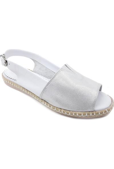 Pabeste Gümüş Deri Kadın Sandalet