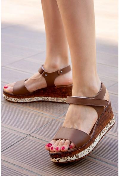 Fox Shoes Taba Kadın Sandalet F288071309
