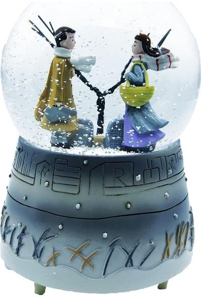 Mankan Kış Masalı Aşkı Işıklı Müzikli Kar Küresi