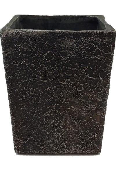 Kutukutucicek Desenli Siyah Renk Kare Konik Beton Saksı 23X15 Cm