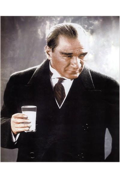 Renk Vagonu 1000 Parça Atatürk Temalı Puzzle
