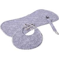 Miniyoki Iris Gri 3'lü Mama Önlüğü, Emzik Askısı ve Omuz Bezi Seti - Çiçek Desenli Ponpon Şeritli