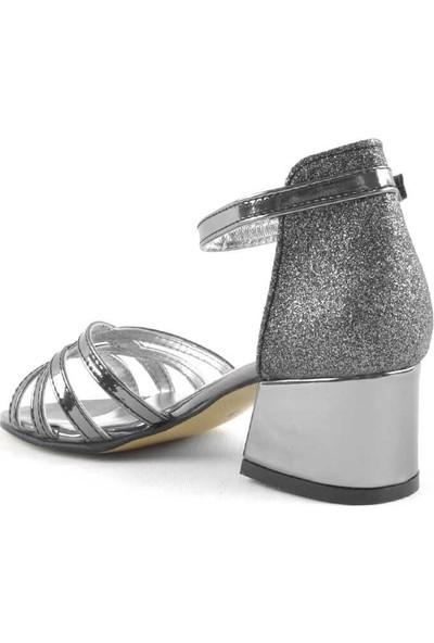Sarıkaya Platin Kalın Topuklu Kız Çocuk Abiye Ayakkabı