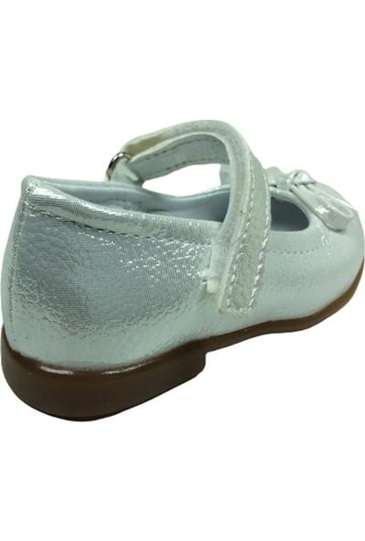 Ortaç OrtopedikaİlkadımBabet Gümüş Parlak Kız Çocuk Ayakkabı Cırtlı İçi Deri