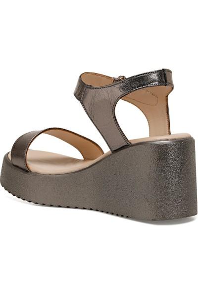 Nine West Kalan Gümüş Kadın Dolgu Topuklu Sandalet