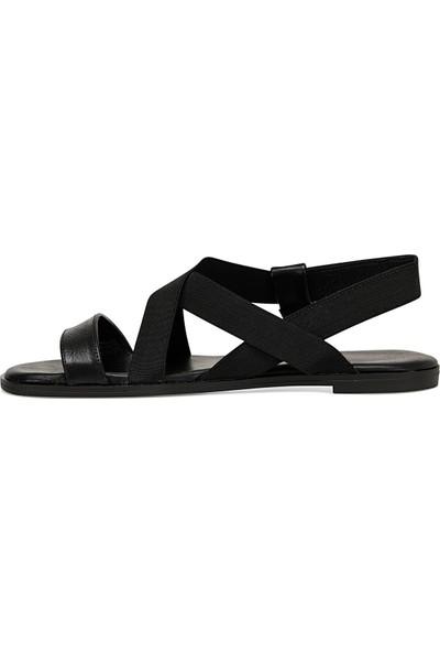 Nine West Alıza Siyah Kadın Düz Sandalet