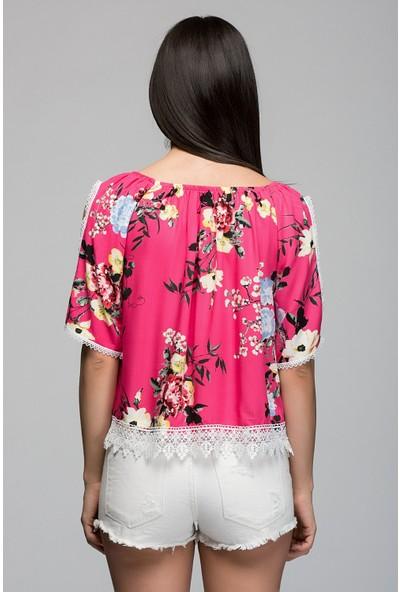 Cotton Mood 7210001 Viskon Desenli Kolu Açık Eteği Güpürlü Bluz Fusya