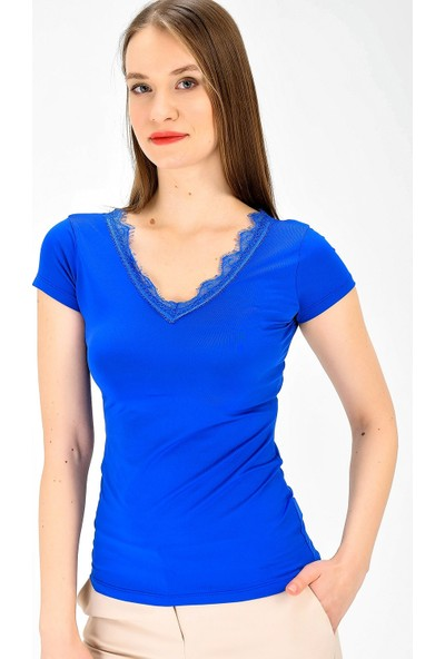 Jument Kadın Ofis V Yaka Dantel Detaylı Kısa Kol Bluz Bluz