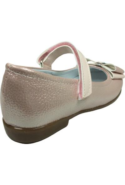 Ortaç PatikBabet Pembe Parlak Kız Çocuk Ayakkabı Cırtlı İçi Deri