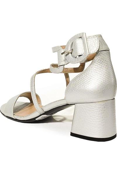 Nursace Deri Klasik Topuklu Sandalet