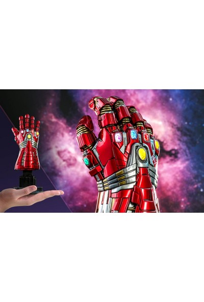 Hot Toys Nano Gauntlet Hulk Version Quarter Scale Figures