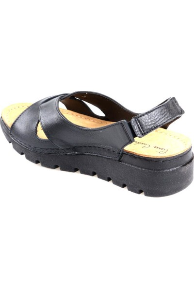 Pierre Cardin PC-1380 Siyah Kadın Deri Sandalet