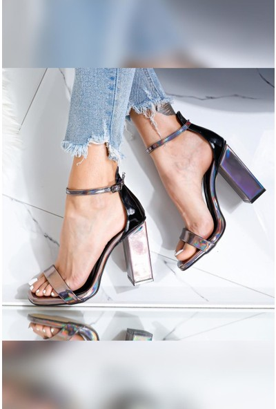 Limoya Angelina Tek Bant Yüksek Kare Topuklu Sandalet