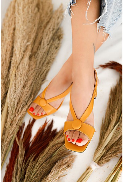 Limoya Alaina Hardal Düğme Detaylı Alçak Topuklu Sandalet