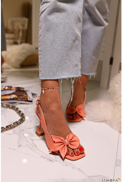 Limoya Keely Fiyonk Detaylı Şampanya Topuklu Sandalet