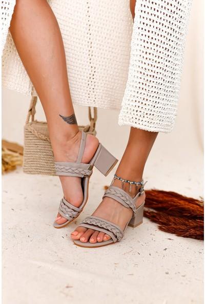 Limoya Jazmin Şeffaf Bant ve Örgü Detaylı Detaylı Alçak Topuklu Sandalet