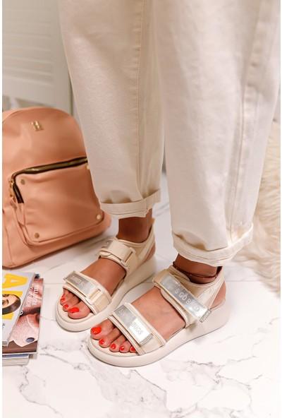 Limoya Maren Bej Streç Cırt Detaylı Sandalet