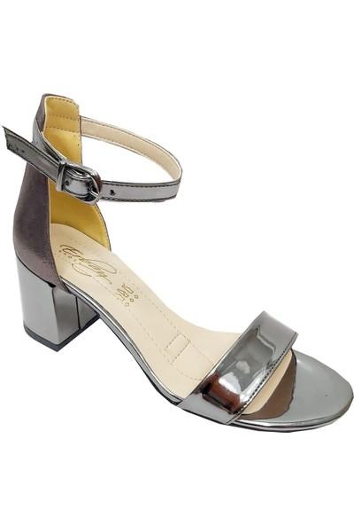 Erbay 022 Rugan Kalın Topuklu Kadın Sandalet