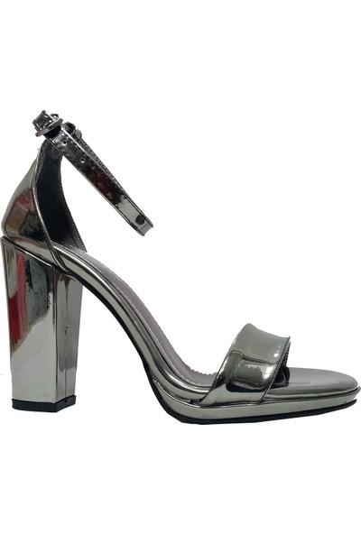 Gizem 602 Rugan Tek Bantlı Kadın Sandalet