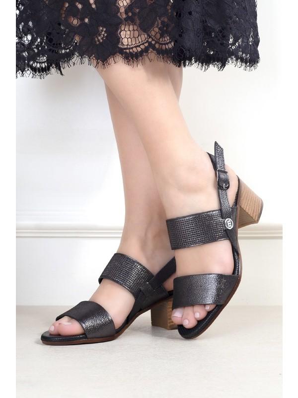 Mammamia D20YS-1295 Kadın Deri Sandalet Platin