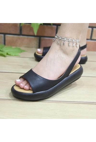 Keçeli Siyah Topuklu Sandalet