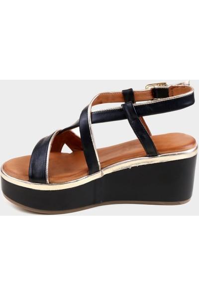 Kammi Siyah Deri Kadın Dolgu Topuk Sandalet