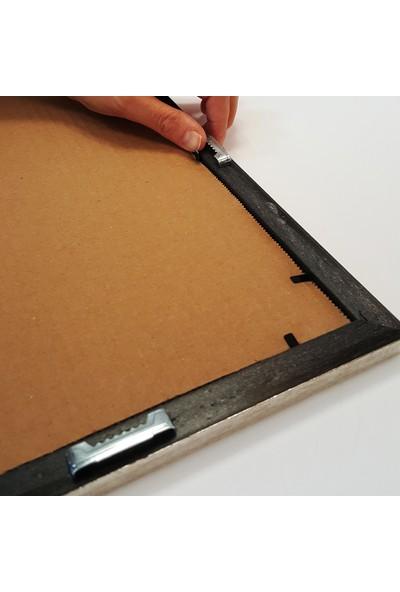 Efor Çerçeve A4 Çerçevesi Mat Camlı - Altın Renk Çerçeve Genişliği 20 mm