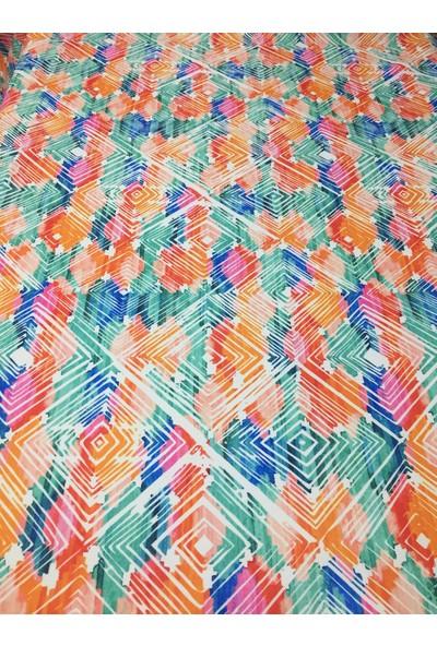 Zeren Home A Simetrik Kareler Desenli Dertsiz Masa Örtüsü 100 x 100 cm
