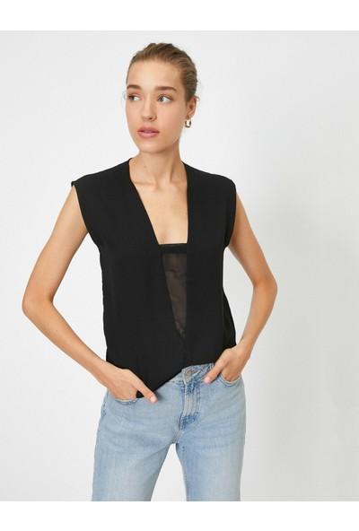 Koton V Yaka Kolsuz Yakasi Detaylı Bluz