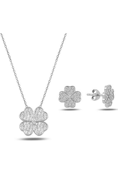 Bakalcik Gümüş 925 Ayar Rodyum Kaplama Zirkon Taş İşlemeli Yonca Set (Kolye-Küpe)