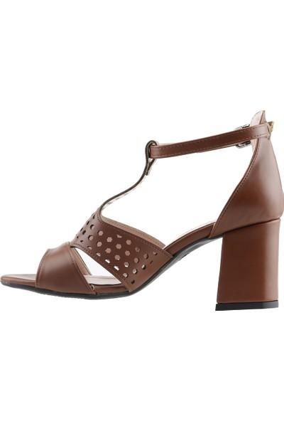Ayakland 11005-245 Günlük 7 cm Topuk Kadın Cilt Sandalet Ayakkabı