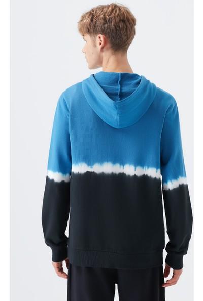 Mavi Erkek Kapüşonlu Batik Desenli Sweatshirt 066372-900