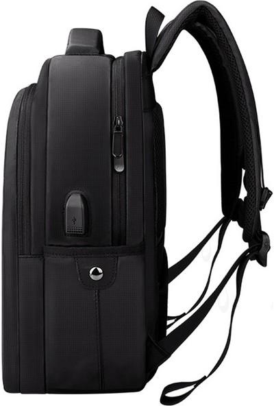 """Yukka USB Şarj Girişli 15.6-17.3"""" Büyük Kapasiteli Laptop Sırt Çantası"""