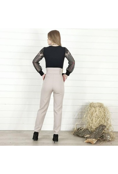 Buketli Yaka Kol Detay Bluz - Siyah