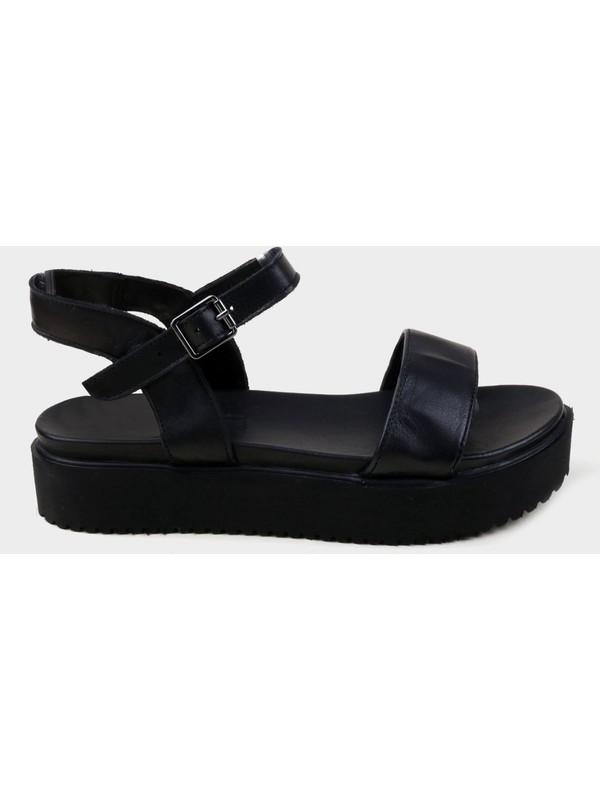 Divas Siyah Deri Kadın Kalın Tabanlı Sandalet