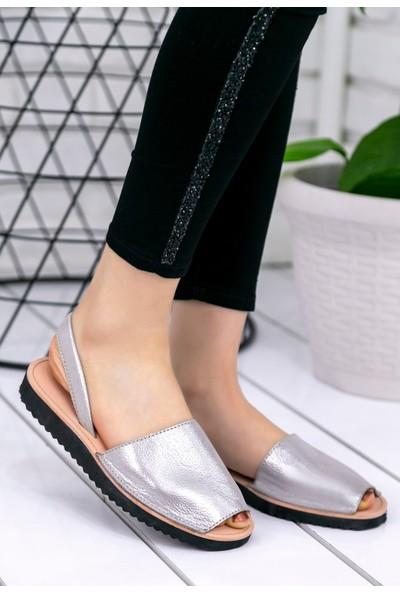 Erbilden Samiye Gümüş Cilt Sandalet