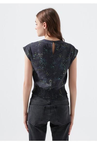 Mavi Kadın V Yaka Desenli Bluz