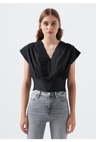 Mavi Kadın V Yaka Desenli Siyah Bluz